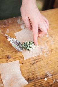 Maultaschen mit einer Füllung aus Giersch.