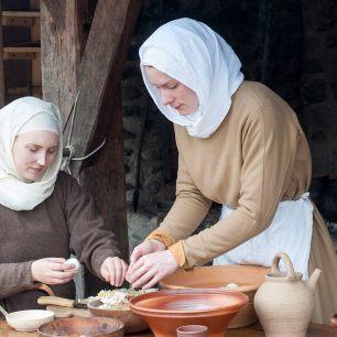 Rekonstruktion eines Schalschleier aus Wolle und Leinen