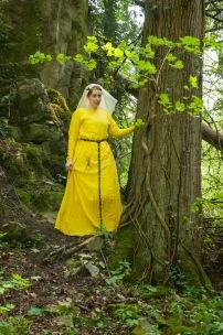 Kleid aus Wolle, gefärbt mir Reseda.